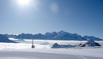 Spring_skiing