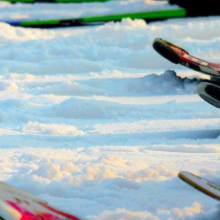Group-skiing-in-courchevel-1500x430