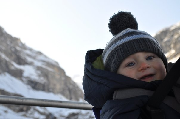 Taking_a_baby_skiing