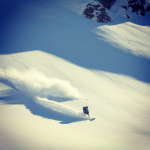 Powder_snowboarder2
