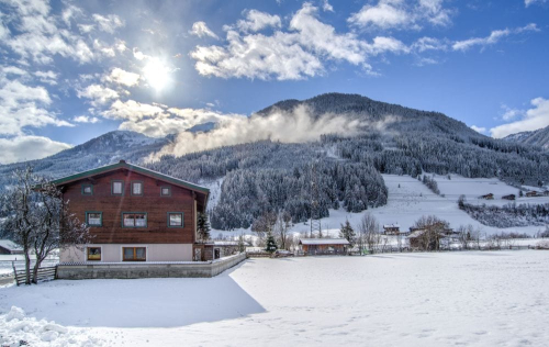 Alpine-chalet-clouds-722681