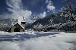 Les_prazvillage_church_2